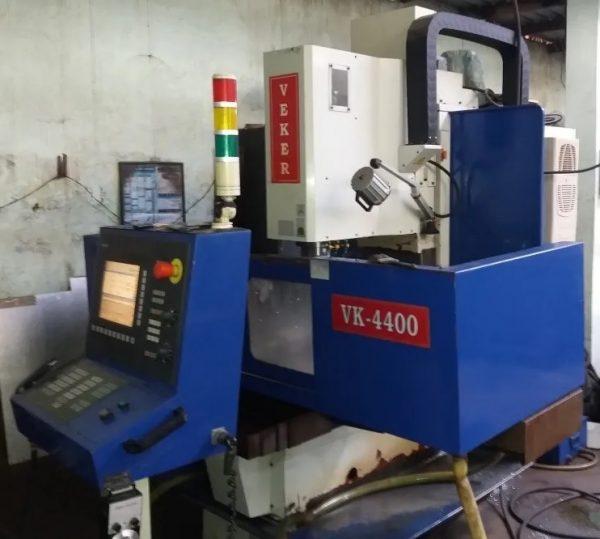 Fresadora CNC Veker VK- 4400